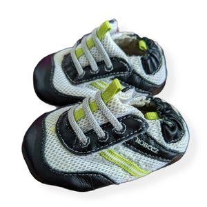 Robeez soft soles leather velcro shoes